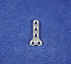 T Plate, 2.7mm, 5-hole, 32mm